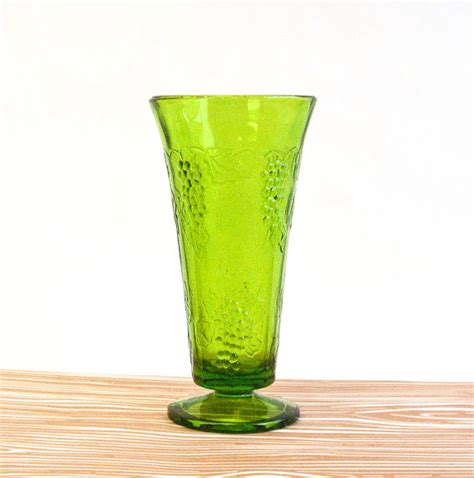 Olive Vase by Olive Green Glass Vintage Vase By Ollyoxes On Etsy