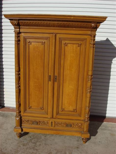 wandschrank antik antique cedar wardrobe closet images