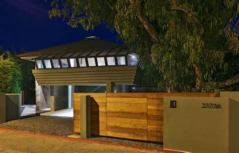 leonardo dicaprio s house check out leonardo dicaprio s former malibu beach house