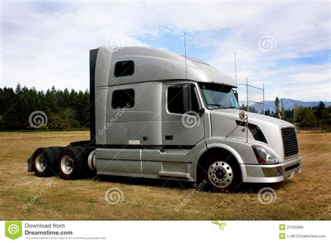 volvo truck sleeper cabs truck tractor sleeper cab stock image image of clouds