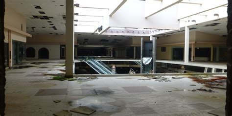 seph lawless rolling acres abandon malls of america seph lawless from autopsy of