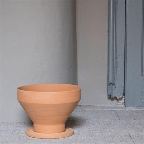 vasi di coccio vaso coccio mira by internoitaliano lovethesign