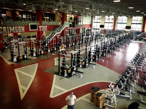 alabama weight room alabama football recruiting new weight room makes impression on recruits