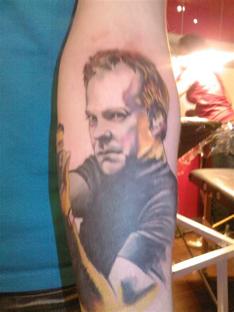 kiefer sutherland tattoos meet tom brown 24 24 spoilers