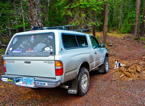 toyota tacoma bed cap how to install a bed cap on a toyota tacoma ehow uk