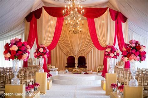 Mandap http://maharaniweddings.com/gallery/photo/27284