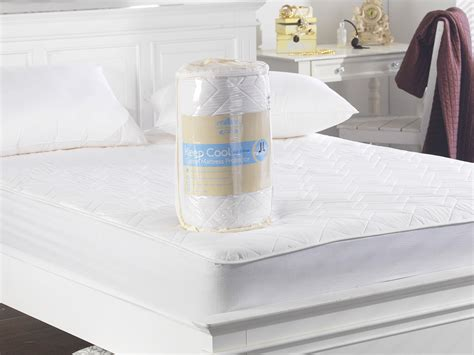 Mattress Protector Air 180x200 keep cool 3d air relaxation quilted cotton mattress protector lancashire textiles