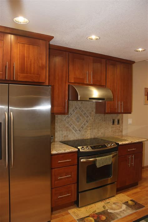 pictures of kitchen cabinets with hardware hong bo hardware supply cherry shaker kitchen cabinets