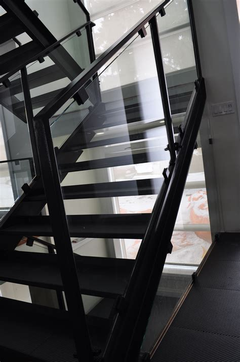 stairs custom stairs  channel stairs iron stairs