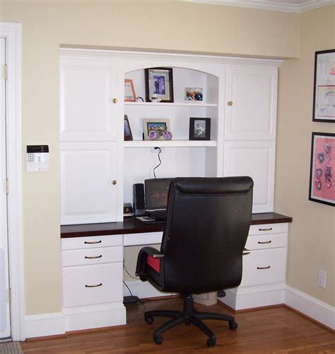 built in desk get all the organizational space without