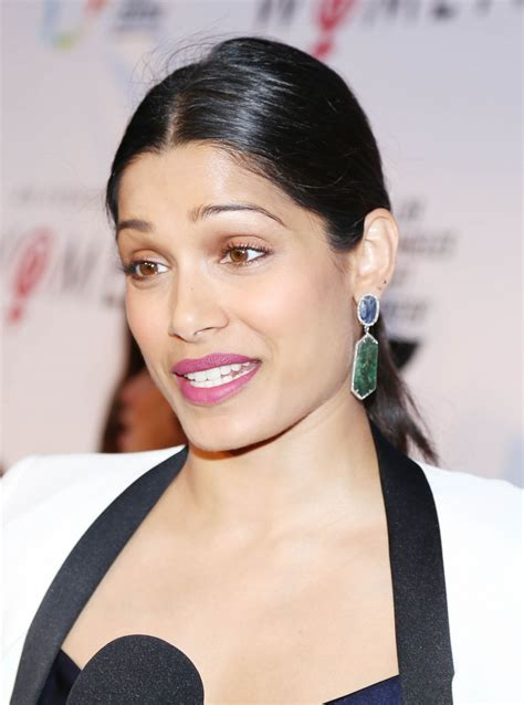 Freida Pinto Hairstyles by Ten Reasons You Should Fall In With Freida Pinto