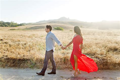what to wear wedding photographer what to wear for engagement photos luxe