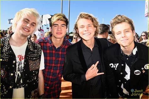 seconds of summer the institute march 5 seconds of summer heat up the kcas 2015 photo 792681