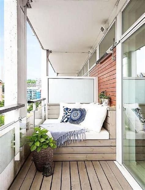 balkon  layak jadi tempat  romantis  rumah