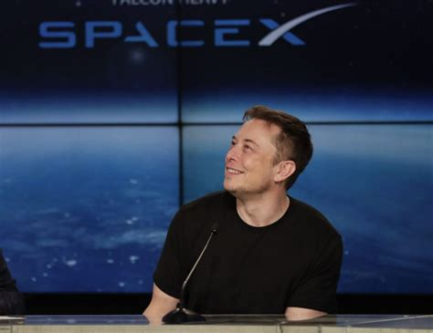 elon musk new rocket while trump congratulates spacex for falcon heavy launch