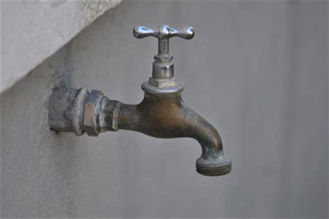 Wasserleitung Aus Kunststoff by Einbau Und Reparatur Einer Wasserleitung