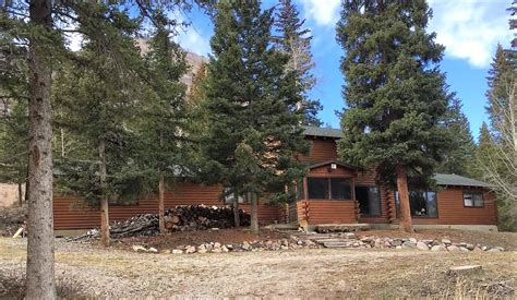 Cabin Rentals Yellowstone National Park by Beartooth Lodge Yellowstone National Park Cheap Cabin Rentals