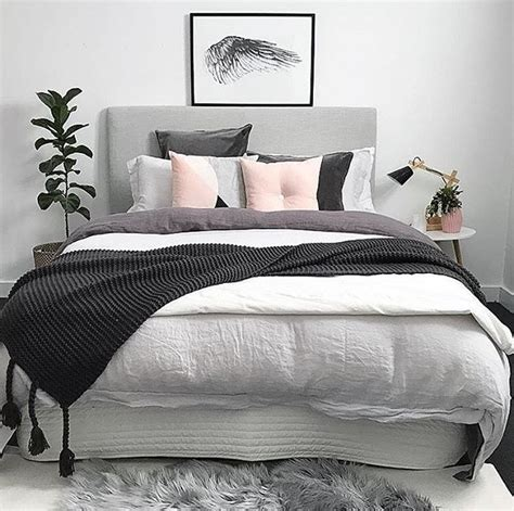 1000 ideas about pink grey bedrooms on pinterest gray 1000 ideas about pretty bedroom on pinterest dressing