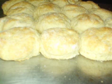 how to make biscuits how to make buttermilk biscuits southern plate