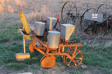 2 row dempster corn planter new photos 450 obo nex