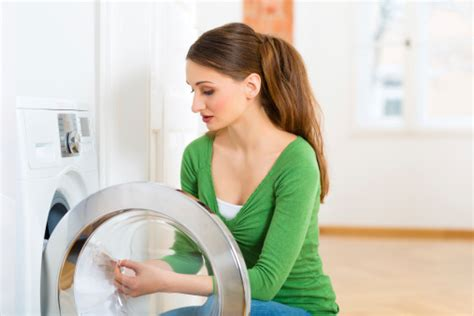 how to wash bed sheets in washing machine how to wash clothes in a washing machine cleanipedia