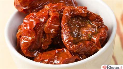 come fare il pesto in casa e conservarlo come conservare i peperoncini sottolio ricetta it