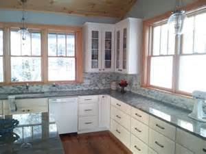 Trim On Kitchen Cabinets by White Kitchen Cabinets With Stained Trim