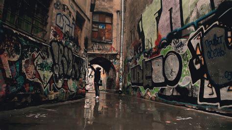 wallpaper urban graffiti urban art graffiti paint girl buildings wallpaper