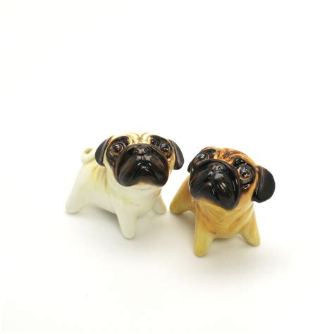 pug lover pug lover gifts pug salt and pepper shaker 00001