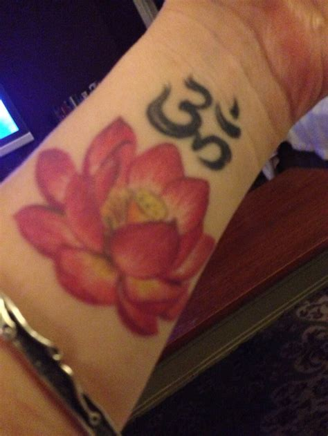 aum tattoo designs best 25 aum ideas on ohm