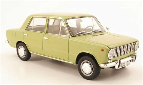 Lada Model Lada 1200 Oliv 1971 Ist Models Diecast Model Car 1 18
