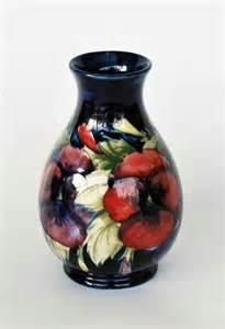 william moorcroft pottery vase decorative arts