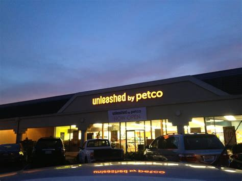 unleashed by petco 18 photos 13 reviews pet stores