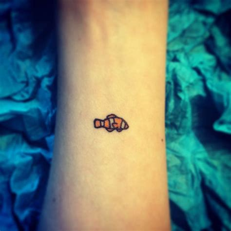 tropical fish tattoo designs best 20 small fish tattoos ideas on fish
