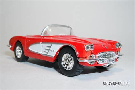 Ertl Corvette With Open Sunroof Die Cast Metal 1 16 Scale ertl 1960 chevrolet corvette c1 open convertible