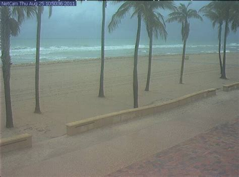 hollywood beach weather hurricane irene surf arrives on florida s atlantic coast
