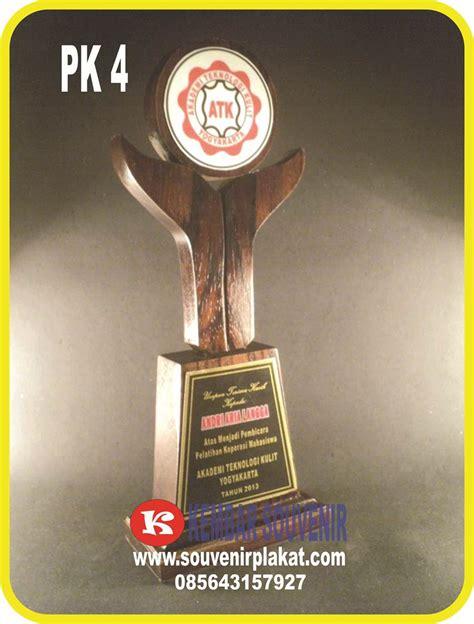 Plakat Marmer Souvenir Merchandise Seminar Hadiah Kenang Kenangan trophy plakat jasa pembuatan plakat piala