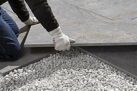 feinsteinzeug terrassenplatten in splitt verlegen terrassenplatten 2cm ceratrends