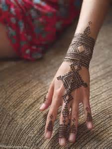 henna tattoos on ankles best 25 ankle henna ideas on henna ink
