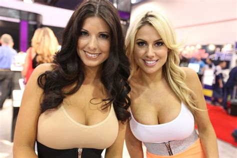 hot babes from sema auto show oh my