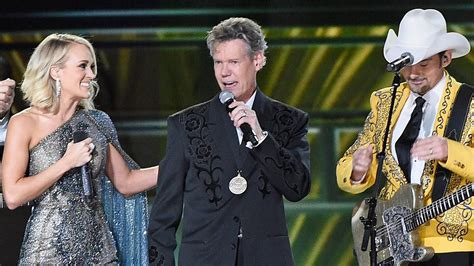 randy travis health 2016 randy travis steals the show with emotional performance at