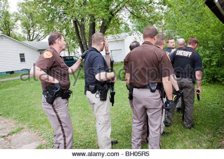 Sheriff Warrant Search Sheriff S Office Related Search Warrant In Rural Us Community Stock Photo