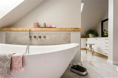 How To Make A Small Bathroom Look Bigger by How To Make A Small Bathroom Look Bigger Reader S Digest