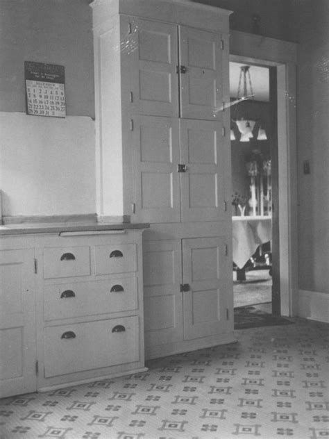1920s kitchen cabinets best 20 1920s kitchen ideas on 1920s house hoosier cabinet and green cupboard ideas