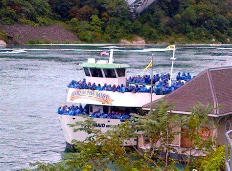 boat ride on niagara falls maid of the mist niagara falls review travelsort