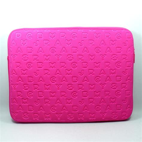 marc  marc jacobs hot pink   laptop case laptop