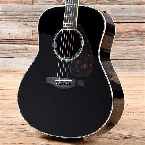 Black Yamaha LL16
