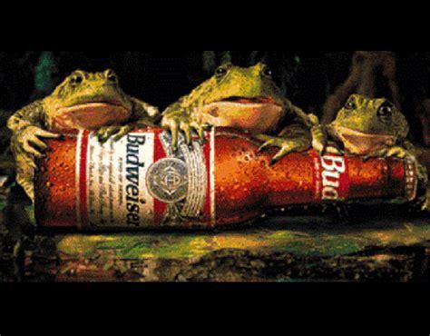 Budweiser Frogs Wallpaper
