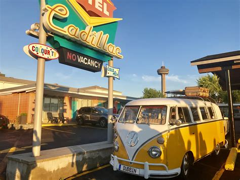 Bus Motel