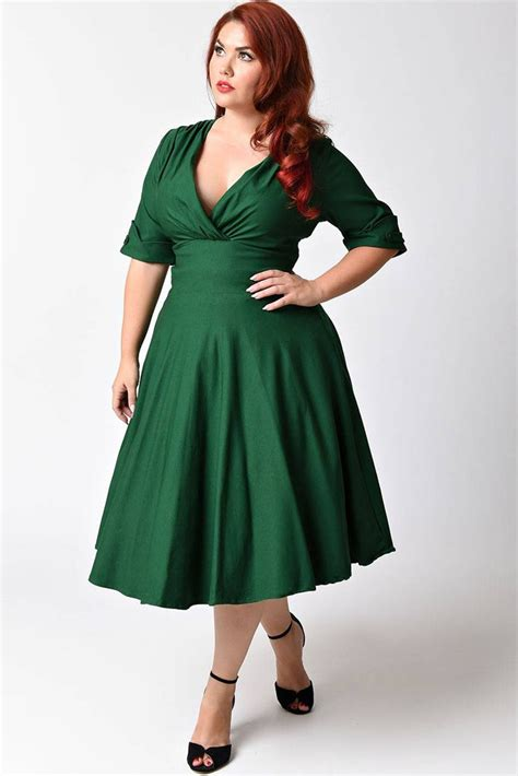 Emerald Clothing for Women